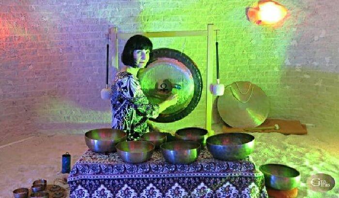 Kąpiel w dźwiękach mis i gongów   koncert