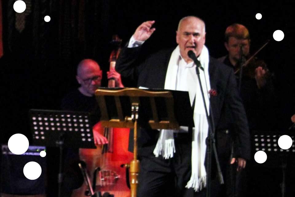 Rafał Jędrzejczyk z zespołem | recital kabaretowy