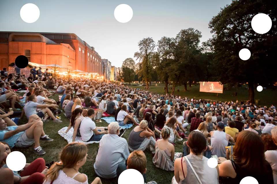 Kino letnie w parku Starego Browaru 2020