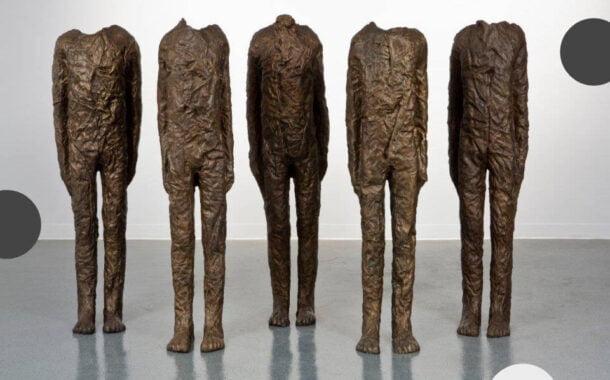 Moje formy to kolejne skóry, które z siebie zdejmuję | wystawa